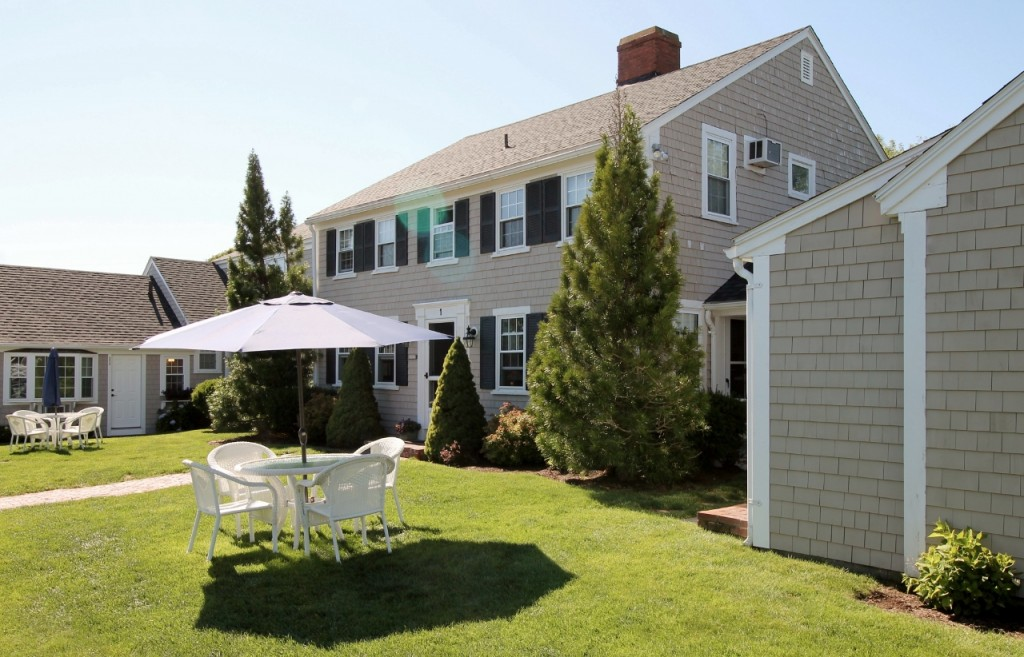 cape cod inn by the beach